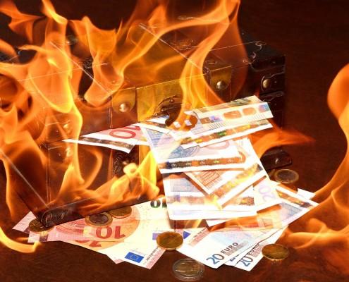 Bruciati 200 miliardi in borsa